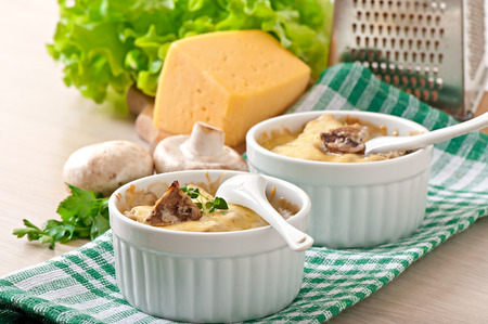julienne: Julienne with mushrooms and cream