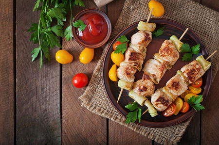 chicken roast: Chicken shish kebab con calabac�n