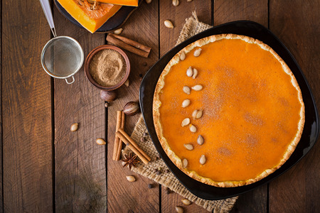 pumpkin pie: American pumpkin pie with cinnamon and nutmeg Stock Photo