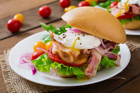 bap: Sandwich with bacon and poached egg