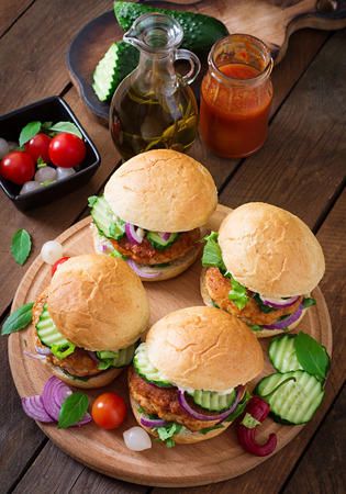 burger: Juicy spicy chicken burgers to Asian-style - sandwich Stock Photo