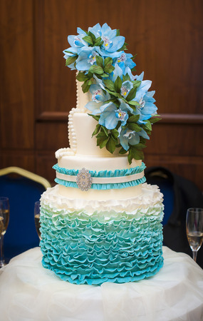 ombre: Ombre ruffle cake