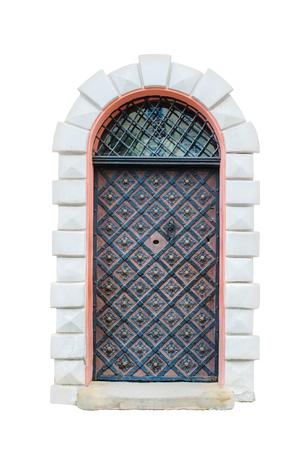 rejas de hierro: Ventana medieval antiguo con barras de hierro aisladas sobre fondo blanco. Foto de archivo