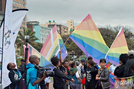transexual: Durban, Sudáfrica - 23 de julio, 2016: celebración del Orgullo Gay en el North Beach
