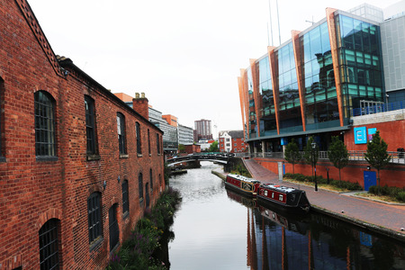 UK England Birmingham broad street canal  boats and bridge Stock Photo - 82329446