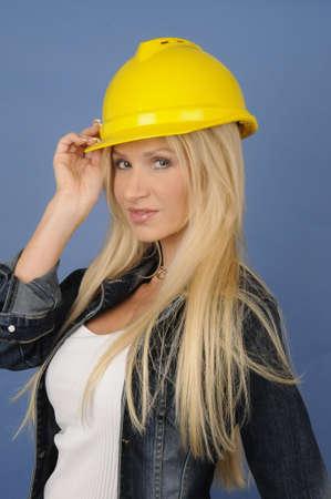 건설중인 여인