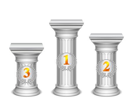 Drei antike Säulen mit Zahlen.