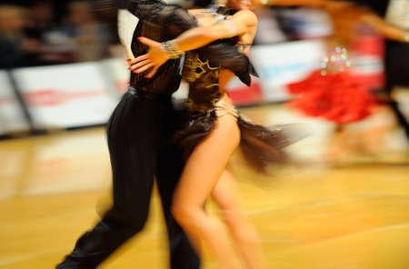 bailes de salsa: Pareja de baile Foto de archivo