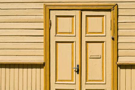 yellow door photo