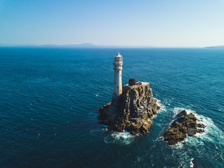 Above the Fastnet lighthouse 版權商用圖片