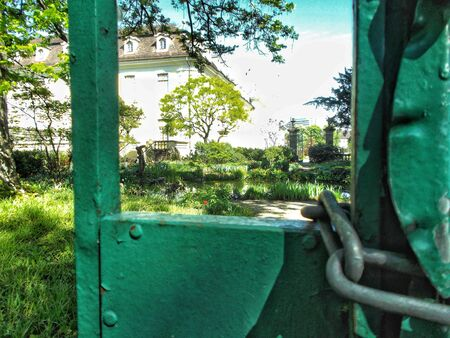 Hidden view to the castle park of Ludwigsburg. Stockfoto