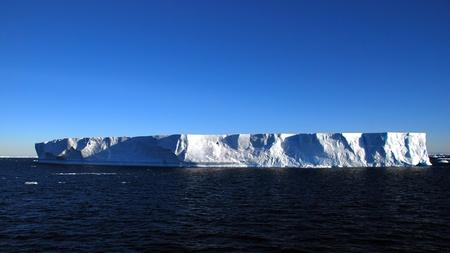 tabellare: tabular iceberg in the southern ocean Archivio Fotografico
