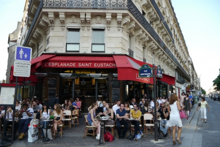 street cafe: paris, france cafe scene