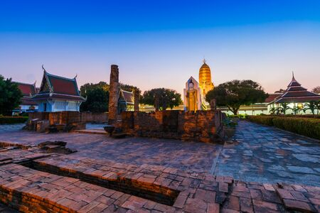 colloquially: led Reliquary), also colloquially referred to as Wat Yai, is a Buddhist temple (wat) in Phitsanulok Province, Thailand. Stock Photo
