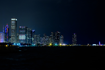 chicago lakefront skyline at night