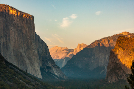el capitan yosemite sunset view Фото со стока