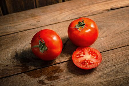 floo: Tomatoes on the wooden floo