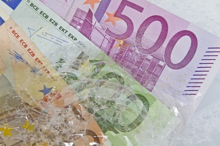 money laundering: riciclaggio di denaro