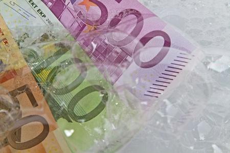 vals geld: het witwassen van geld