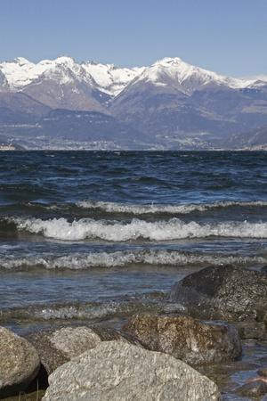 lake como: Golven aan het Comomeer Stockfoto