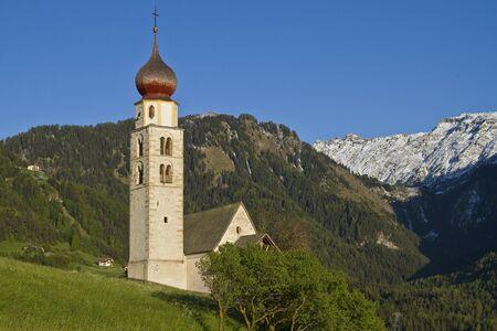st valentine: La iglesia id�lico poco de San Valent�n en Tirol del Sur