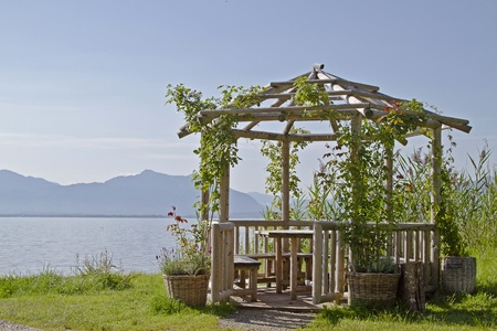 Garten Pavillon am Ufer des Chiemsees Dreamy garden pavilion on the shores of Lake Chiemsee