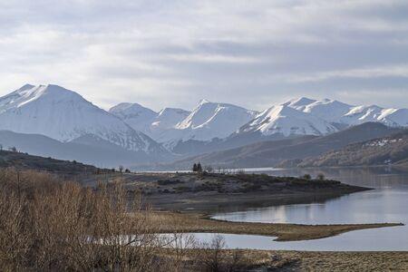 abruzzo: Lago die Campotosto in Abruzzo