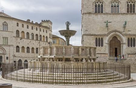priori: Fontana Maggiore in Piazza 4 Novembre