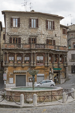 old town house: Fountains and old town house in the Centro Storico of Narnini