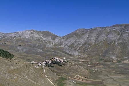 sibillini: Castelluccio - mountain village in Sibillini mountains Stock Photo