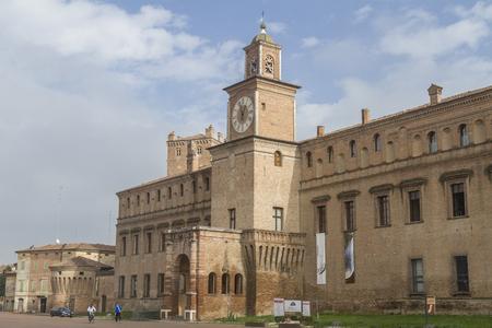 pio: Palazzo dei Pio - City Hall of the bustling tourist town of Carpi