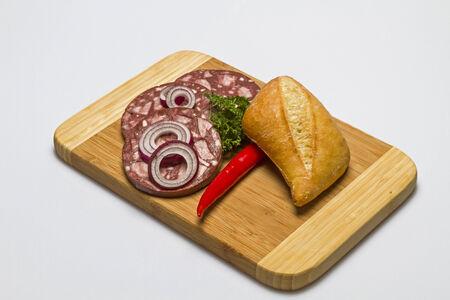 contorni: Snack Piastra con salsiccia rossa e contorni
