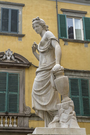 lucca: Statue in Lucca