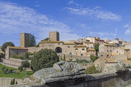Tuscania dans le Latium Banque d'images - 24212295