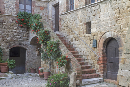 val d orcia: Southern flair in the small village Spedaletto in the Val d Orcia in Tuscany Stock Photo