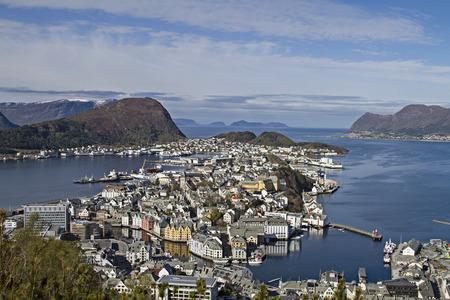 View from the mountain Aksla on the Norwegian coastal town of Alesund Standard-Bild
