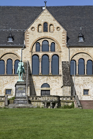 middle ages: The imperial house in Goslar is the largest, oldest and best-preserved secular building of the Middle Ages in Germany
