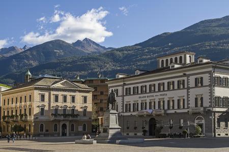 garibaldi: Piazza Giuseppe Garibaldi - Town square and the center of the provincial capital of Sondrio Editorial