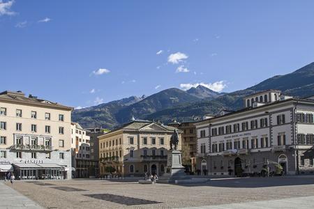 Piazza Giuseppe Garibaldi - Stadtplatz und Zentrum der Provinzhauptstadt Sondrio