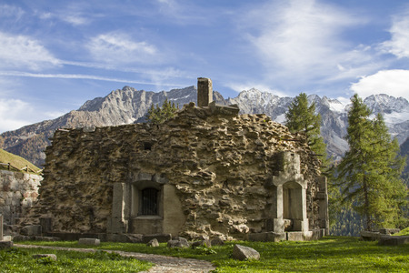 Forte Strino - eine der vielen Burgen rund um den Passo Tonale stammt aus der Zeit des 1. Weltkrieges