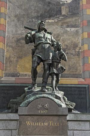 Wilhelm Tell monument sur la place de la capitale cantonale d'Altdorf, dans le canton d'Uri Banque d'images - 34228560