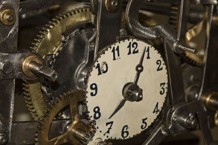 timepieces: Always fascinating to be considered - winding movement with dial