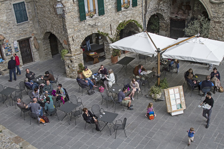 apennines: Drinking coffee comfortably in the Piazza in Apricale