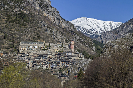 Tende - French border town and namesake of the famous and attractive Tenda railway line between Ventimiglia and Cuneo Imagens - 41456612