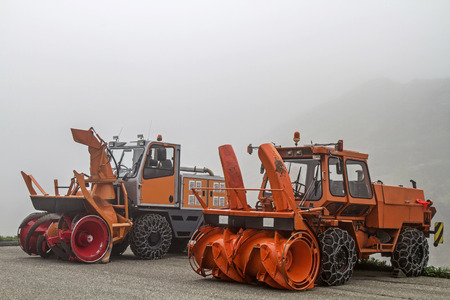 blowers: Snowblowers waiting on the Sustenpass on their use