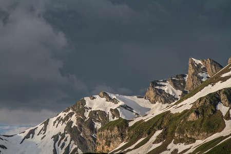 atmosfera: Ambiente tempestuoso en una ma�ana en Melchsee-Frutt