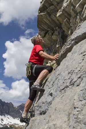 risiko: Klettern am Bonistock in der Zentralschweiz Stock Photo
