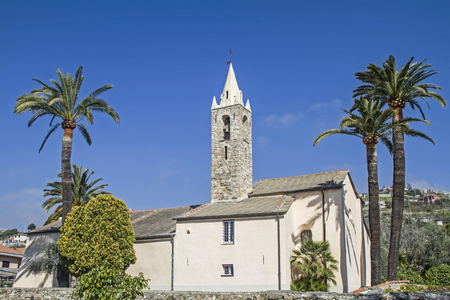 pista: When driving on the Pista ciclabile Parco costiero between San Lorenzo and San Remo you will pass this idyllic church Stock Photo