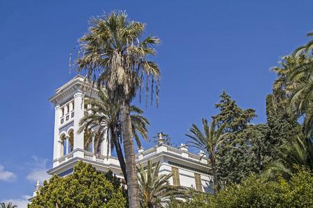 Hotel Palästen und Villen, die von chic charmante Parkanlagen prägen das Straßenbild des mondänen Bordighera