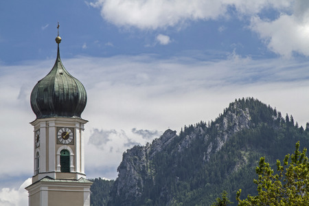 passion play: St. Peter and Paul, the Catholic parish church of Oberammergau was built in the Baroque style